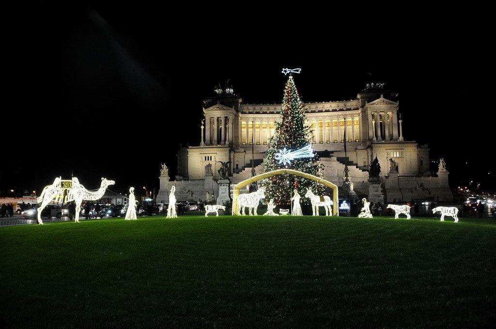 2011 Natale Presepio e albero a Roma